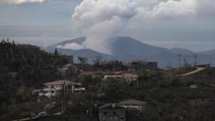 菲律宾塔阿尔火山