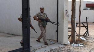 Des membres des forces gouvernementales du Premier ministre Fayez el-Sarraj à Tripoli.