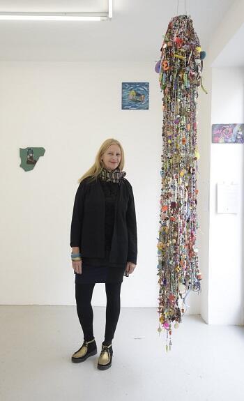 Diana Aisenberg en la exposición.