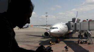 Một chuyến bay đi Cuba chuẩn bị khởi hành từ sân bay Sheremetyevo Matxcơva ngày 24/6/2013.