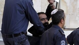 Samer al-Issawi leaving Jerusalem's magistrates' court on 19 February 2013