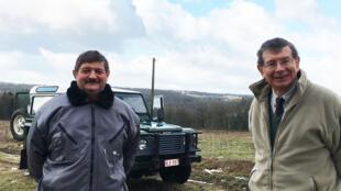 Philippe d'Otreppe (à droite), chasseur à Orval en Belgique