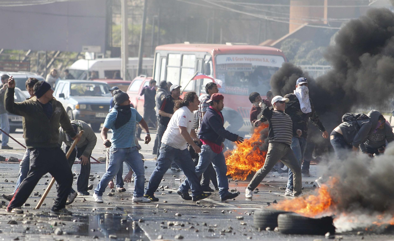 Enfrentamientos entre pescadores y policías, el 10 de julio de 2012 en Valparaíso.