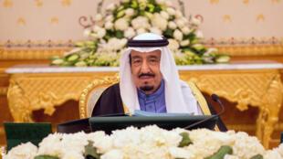 В Саудовской Аравии завершается период процветания, связанный с продажей нефти. На фото: король Салман