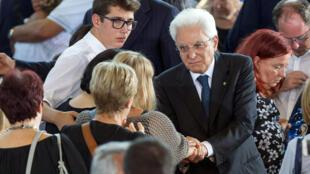 意大利总统马塔雷拉参加地震遇难者葬礼2016年8月27日阿斯科利皮切诺