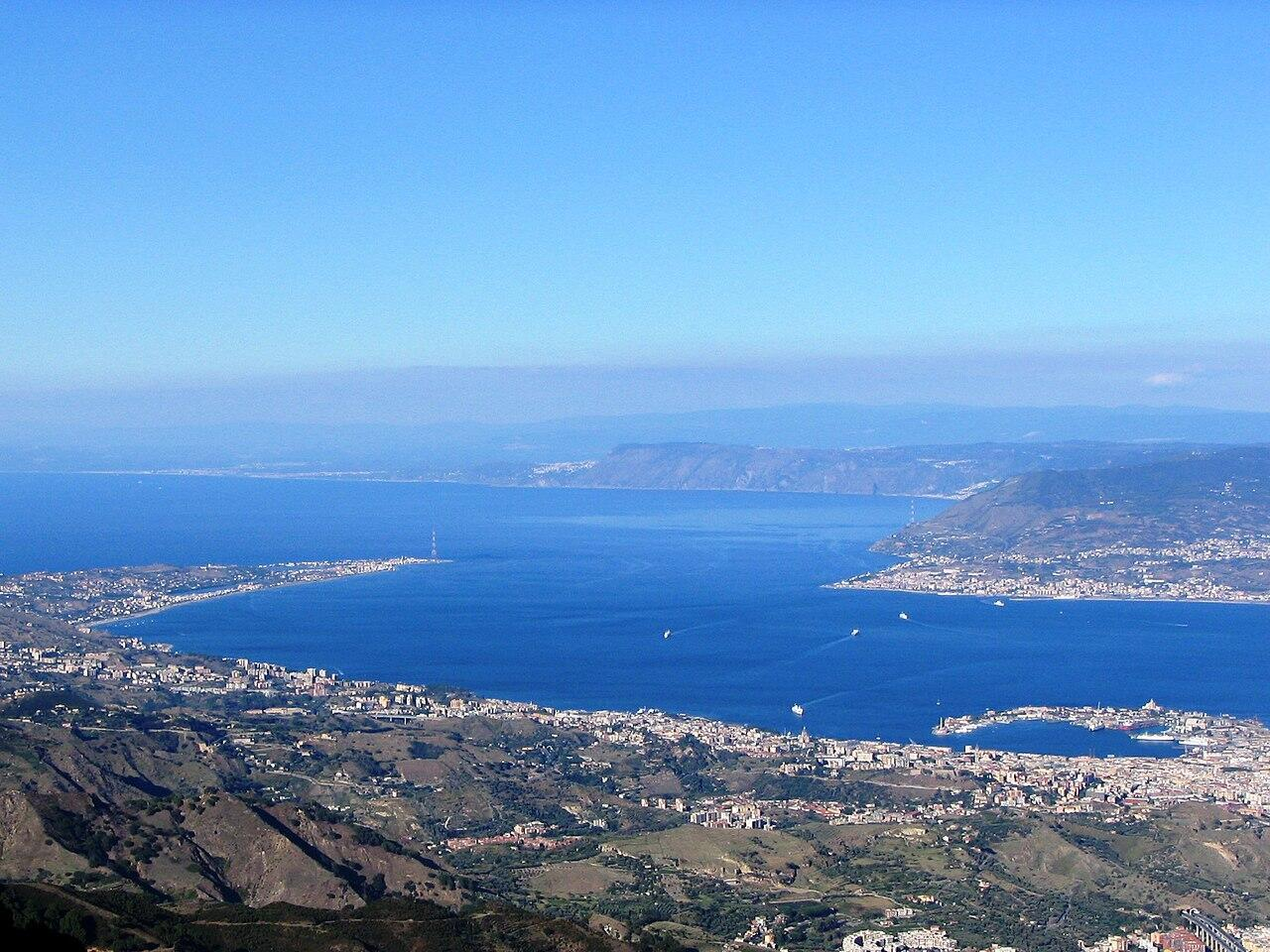 Strait_of_Messina_from_Dinnammare