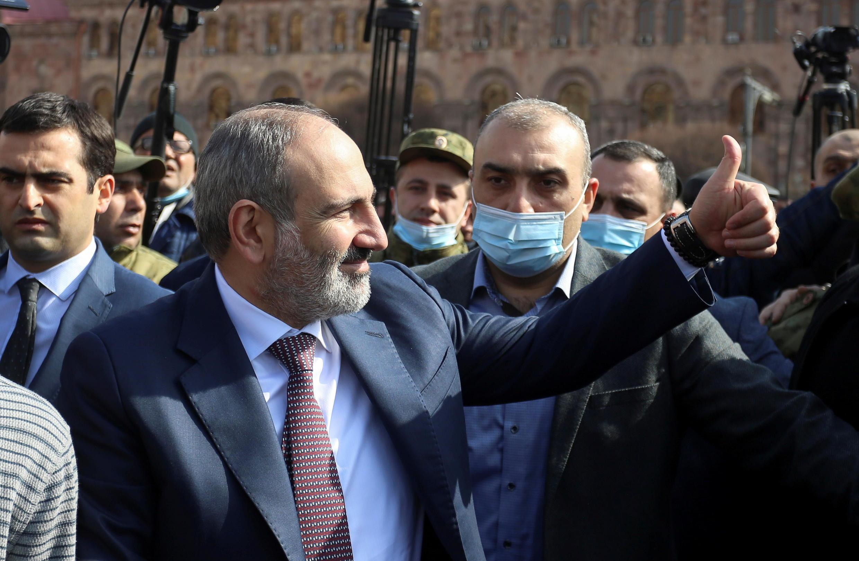 2021-02-25T105753Z_1611168698_RC2MZL9AAV3U_RTRMADP_3_ARMENIA-POLITICS