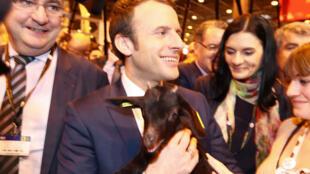 Emmanuel Macron en el Salón de la Agricultura, el pasado 1 de marzo de 2017.