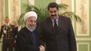 Le président vénézuélien Nicolas Maduro (à droite) et son homologue iranien Hassan Rohani, à Téhéran, le 10 janvier 2015.