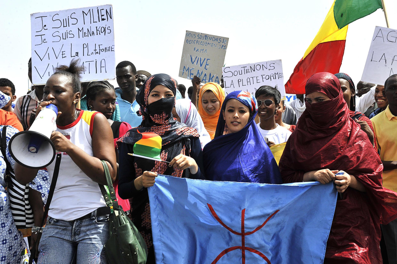 Une manifestation pour la « libération » de Ménaka, à Bamako, le 2 mai 2015.