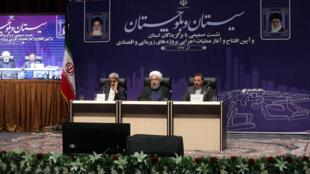 نشست حسن روحانی در سفرش به استان سیستان و بلوچستان. شنبه ١١ آذر/٢ دسامبر ٢٠۱٧