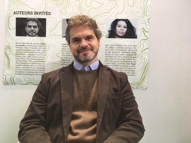 O escritor Rodrigo Lacerda