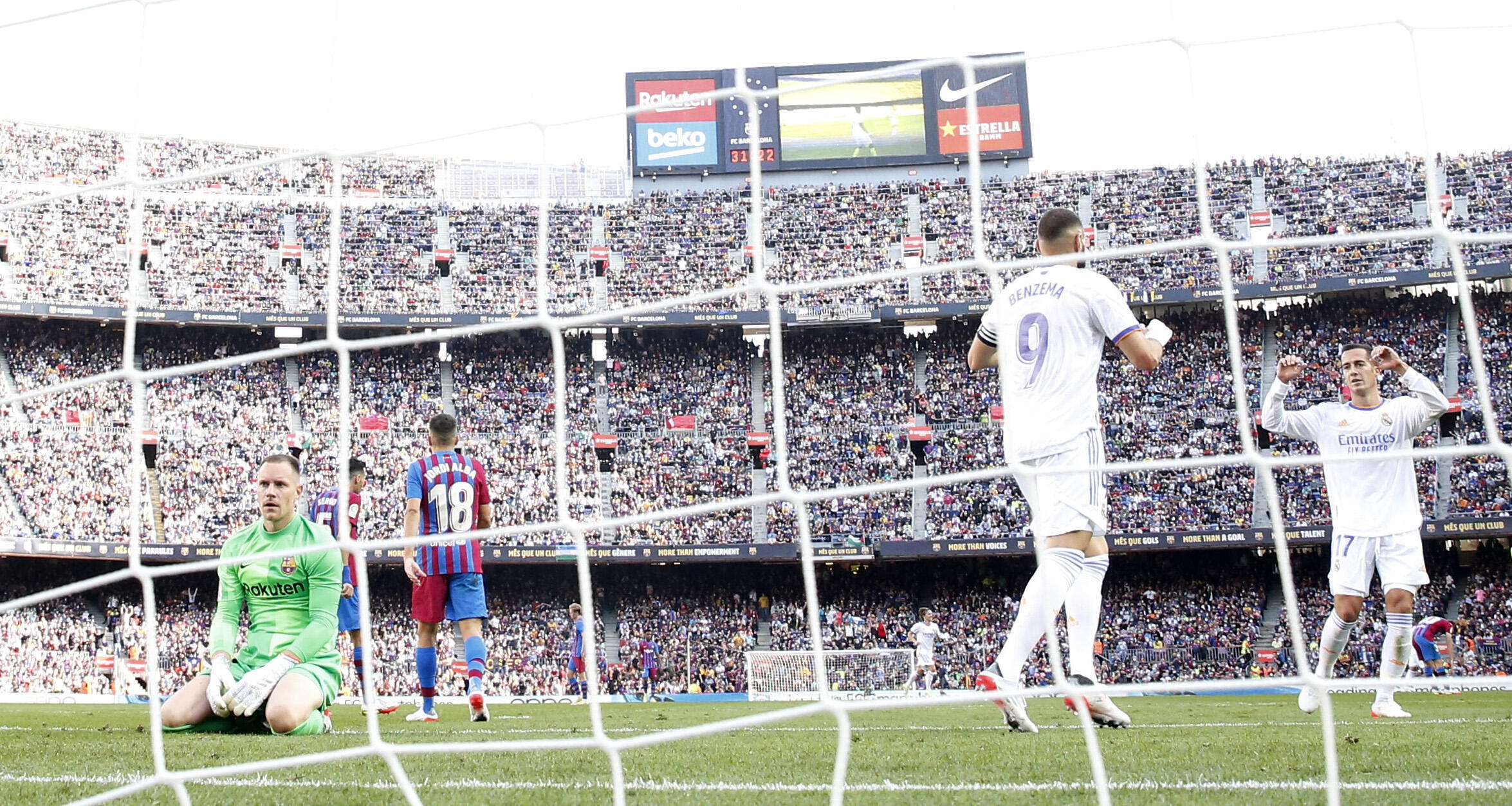 2021-10-24T151724Z_2137003345_UP1EHAO16GZPX_RTRMADP_3_SOCCER-SPAIN-FCB-MAD-REPORT