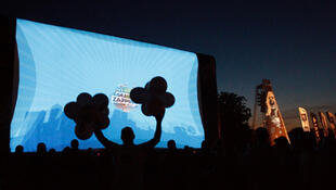 Le Grand Zapping Show is being screened outdoors throughout France.