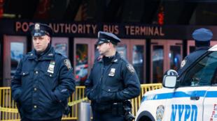 Explosão em Nova York foi causada por bomba artesanal, em 11 de dezembro de 2017.