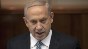 O premiê israelense Benjamin Netanyahu durante reunião semanal em seu gabinete, em Jerusalém, em foto do dia 28 de abril.