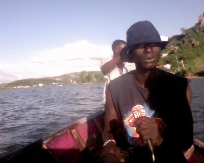 Mvuvi akizungumzia juu ya uchafuzi wa Mazingira katika ziwa Victoria