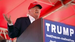 O bilionário Donald Trump, célebre por suas declarações polêmicas, lidera as sondagens das primárias republicanas para 2016.