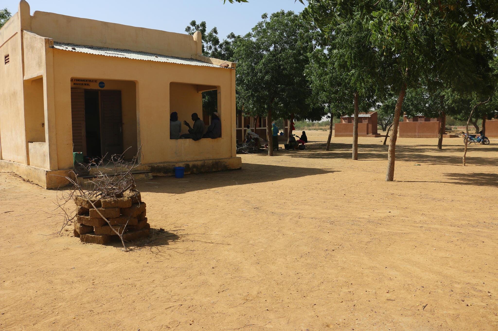 Une école à une vingtaine de kilomètres de Mopti.