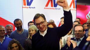 Thủ tướng Serbia, ông Aleksandar Vucic mừng chiến thắng trong cuộc bầu cử tổng thống tại Belgrade, ngày 02/04/2017.