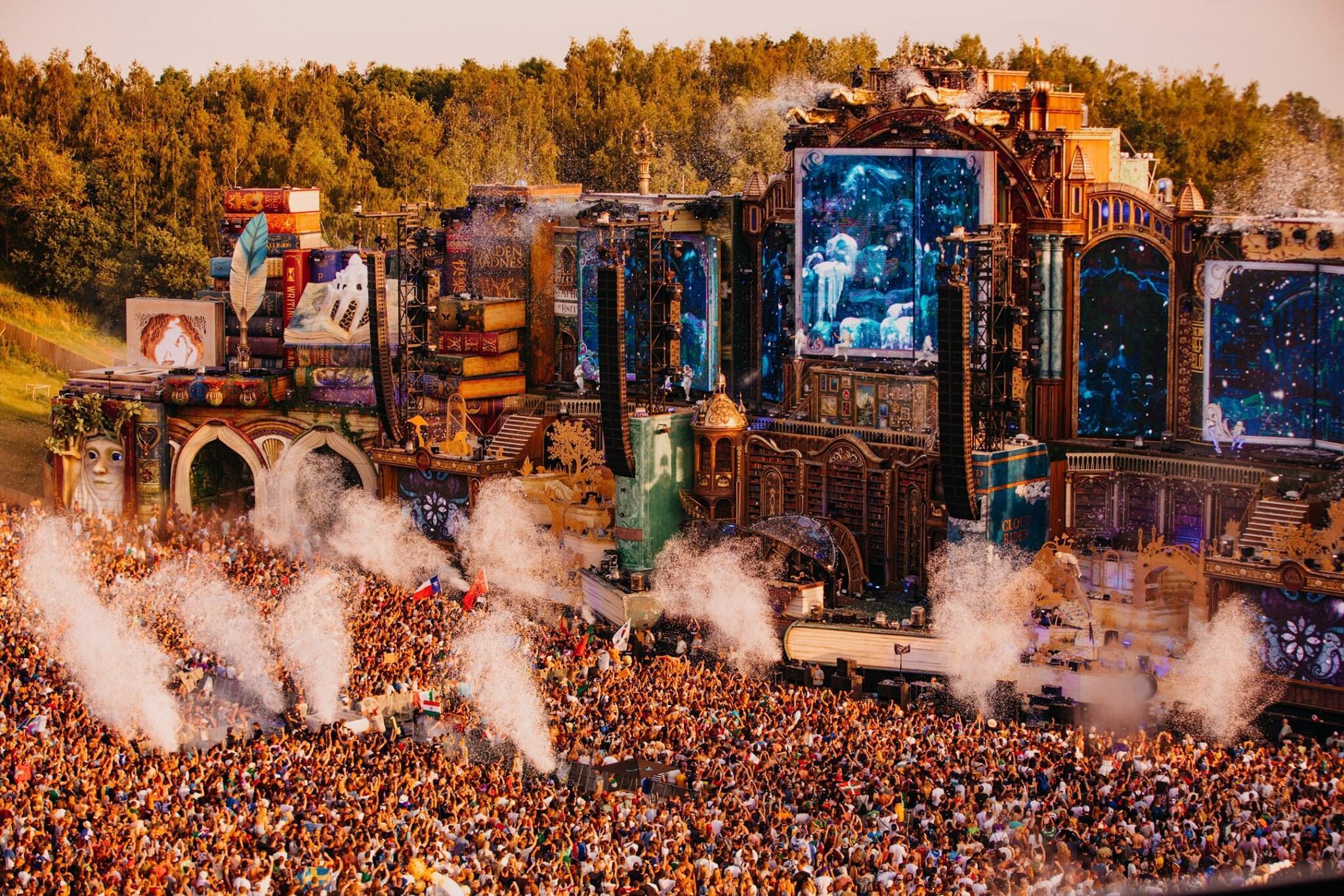 Festival de verão Tomorrowland deixa autoridades em alerta sobre consumo excessivo de drogas pesadas.