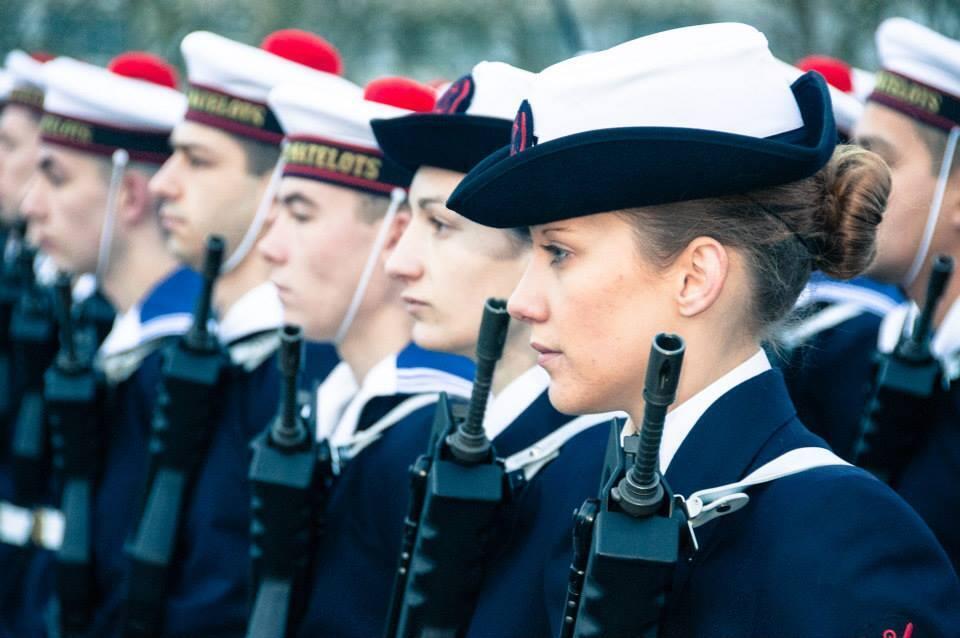 Francesas podem integrar corpo militar naval há 21 anos.
