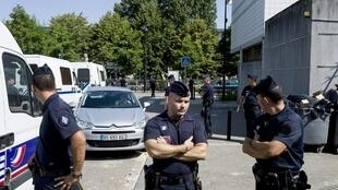 Strong police presence in the Paris suburb of Trappes in July 2013