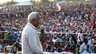 L'ancien Premier ministre tanzanien Edward Lowassa est l'un des favoris de l'élection présidentielle du 25 octobre 2015. Ici, en campagne à Tanga, le 21 octobre.