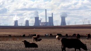Centrale à charbon dans la province de Mpumlanga, en Afrique du Sud, la deuxième région la plus polluée de la planète.