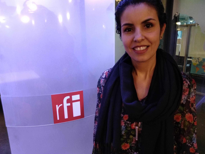 A professora de Linguística Luzmara Curcino.