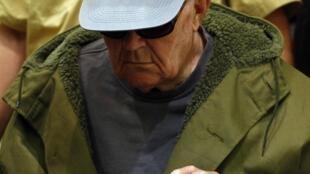 Antigo guarda nazista John Demjanjuk, condenado por crimes durante o holocausto.