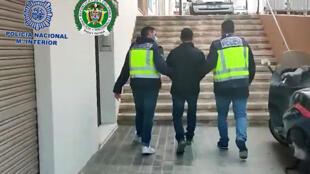 """Lluis Jhon Castro Ramirez alias """"el Zarco"""", durante su arresto por la policía española en Alicante, el 13 de febrero de 2021"""