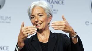 """La ministre française de l'Economie et des Finances, Christine Lagarde lors du Forum """"e-G8"""" à Paris, le 25 mai 2011.  ,"""