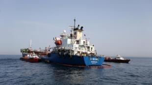 挪威油轮A. Michel号在海湾遭破坏2019年5月13日阿联酋富查伊拉港