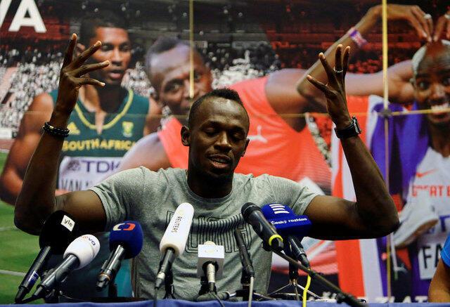 Zakaran tseren gudun mita 100 da na 200 na duniya dan kasar Jamaica, Usain Bolt yayin zantawa da manema labarai a birnin Ostrava na Jamhuriyar Czech.