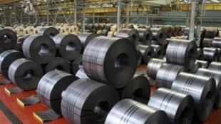 中國經濟增長又一次帶動了全球對鋼材的需求,這是韓國浦項制鐵公司等待出口的鋼材。