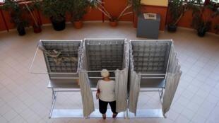 Una electora en Madrid el pasado 26 de junio de 2016.