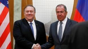 Ngoại trưởng Mỹ Mike Pompeo (T) và đồng nhiệm Nga Sergueï Lavrov tại Sotchi ngày 14/05/2019.