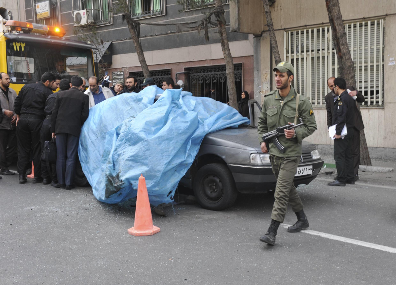 Место гибели сотрудника иранской ядерной отрасли в теракте, совершенном в Тегеране 11 января 2012