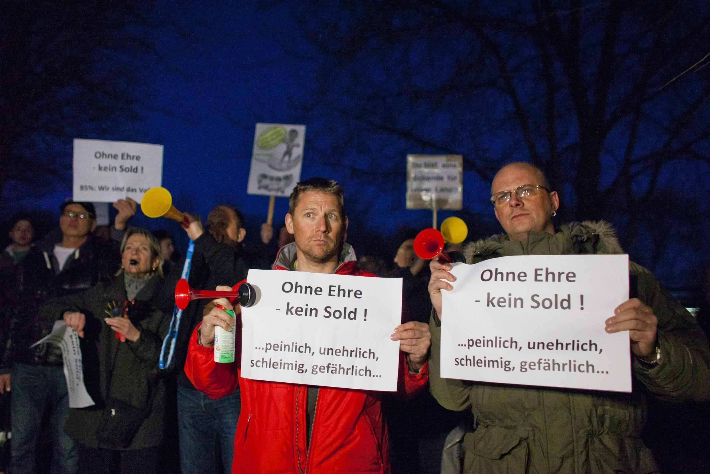 « Sans honneur, pas de salaire ! », pouvait-on lire sur les pancartes des manifestants. Berlin, le 8 mars 2012.