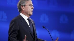 O pré-candidato republicano e o ex-governador da Flórida, Jeb Bush, durante debate nesta quarta-feira (28).