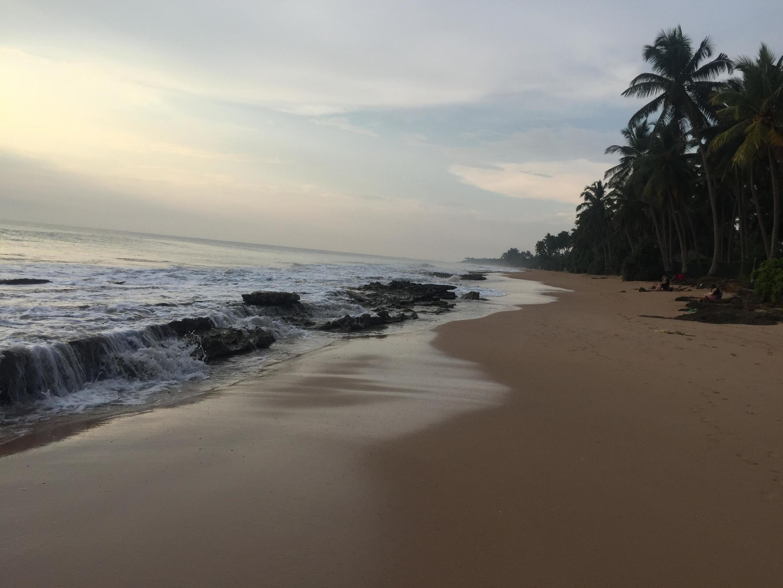 Praia em Wadduwa, perto de Colombo, no Sri Lanka.