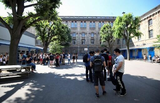 Depuis le 16 mars 2020, les établissements scolaires français sont fermés et les élèves suivent des cours à distance.(image d'illustration).