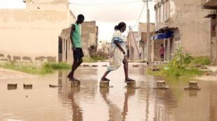 Le président Macky Sall a annoncé un plan de 10 milliards de FCFA, dont 3 seront directement versés aux populations sinistrées à cause des incendies qui ont frappé le pays (photo d'illustration).