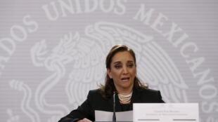 La ministra de Relaciones Exteriores Claudia Ruiz Massieu arribó al El Cairo para averiguar en qué circunstancias fallecieron ocho compatriotas. Foto del 14 de septiembre de 2015 en México.