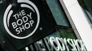Grupo francês L'Oréal conclui o acordo para a venda de sua marca britânica The Body Shop à brasileira Natura