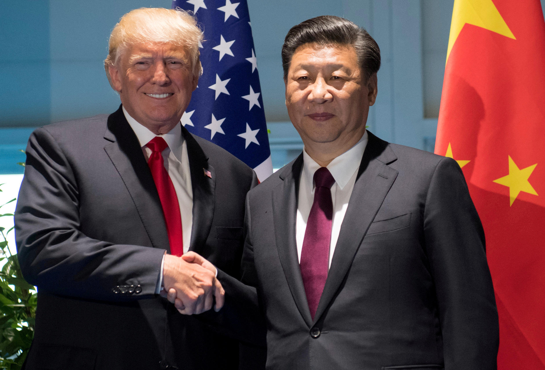 特朗普與習近平在漢堡G20峰會上握手