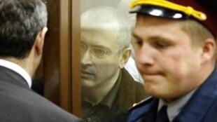 Михаил Ходорковский в Хамовническом суде 26 мая 2010 г.