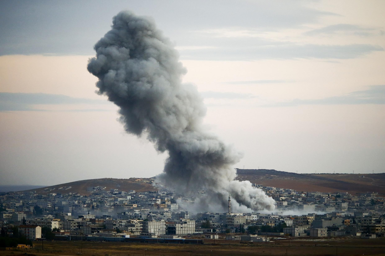 Một vụ oanh kích tại Kobané ngày 18/01/2014.