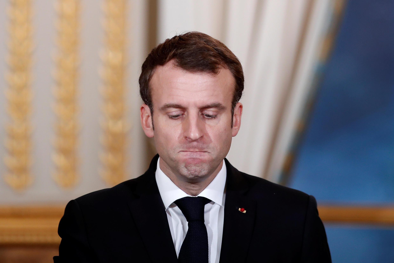 число французов, оценивающих критически деятельность президента выросла до рекордных 76%